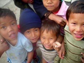 KAHTMANDUS CHILDREN MARTAS FOTOS